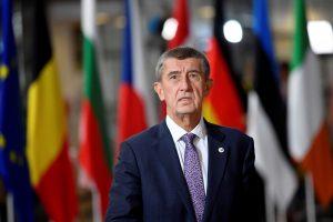 التشيك تتضامن مع واشنطن وتقرر طرد 18 دبلوماسيا روسيا من البلاد .. وروسيا ترد